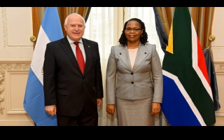 Lifschitz meets with the Ambassador of the Republic of South Africa