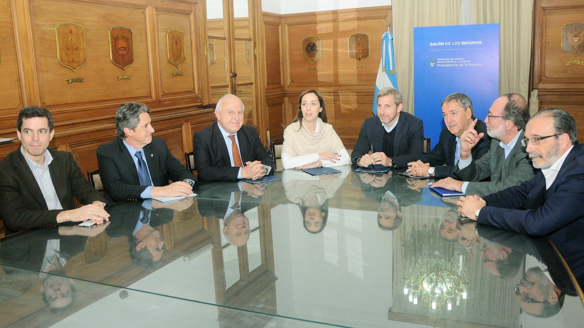 Resultado de imagen de Frigerio con María Eugenia Vidal; de Santa Fe, Miguel Lifschitz, y de Córdoba, Juan Schiaretti.