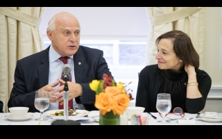 Lifschitz in the U.S.: He meets with businessmen interested in the province at the Council of the Americas