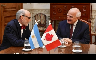 In Rosario, Lifschitz meets with the Canadian ambassador